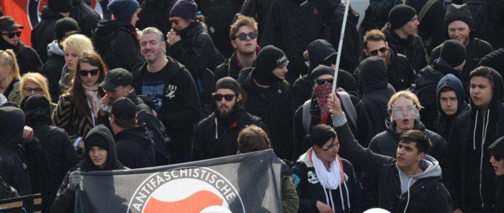 Linksextremisten auch weiterhin das größere Problem
